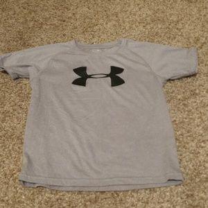 UA T-shirt size 7